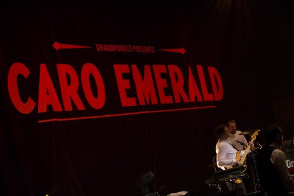 caro_emerald_41